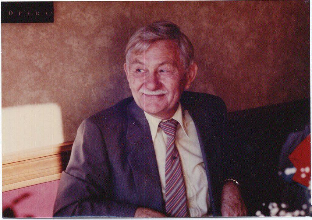 Nhà nghiên cứu John B. Calhoun.