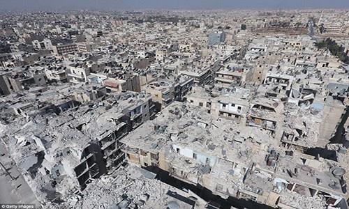 Những tòa nhà bị phá hủy ở khu Tariq al-Bab, Aleppo, hồi tháng 10/2016.