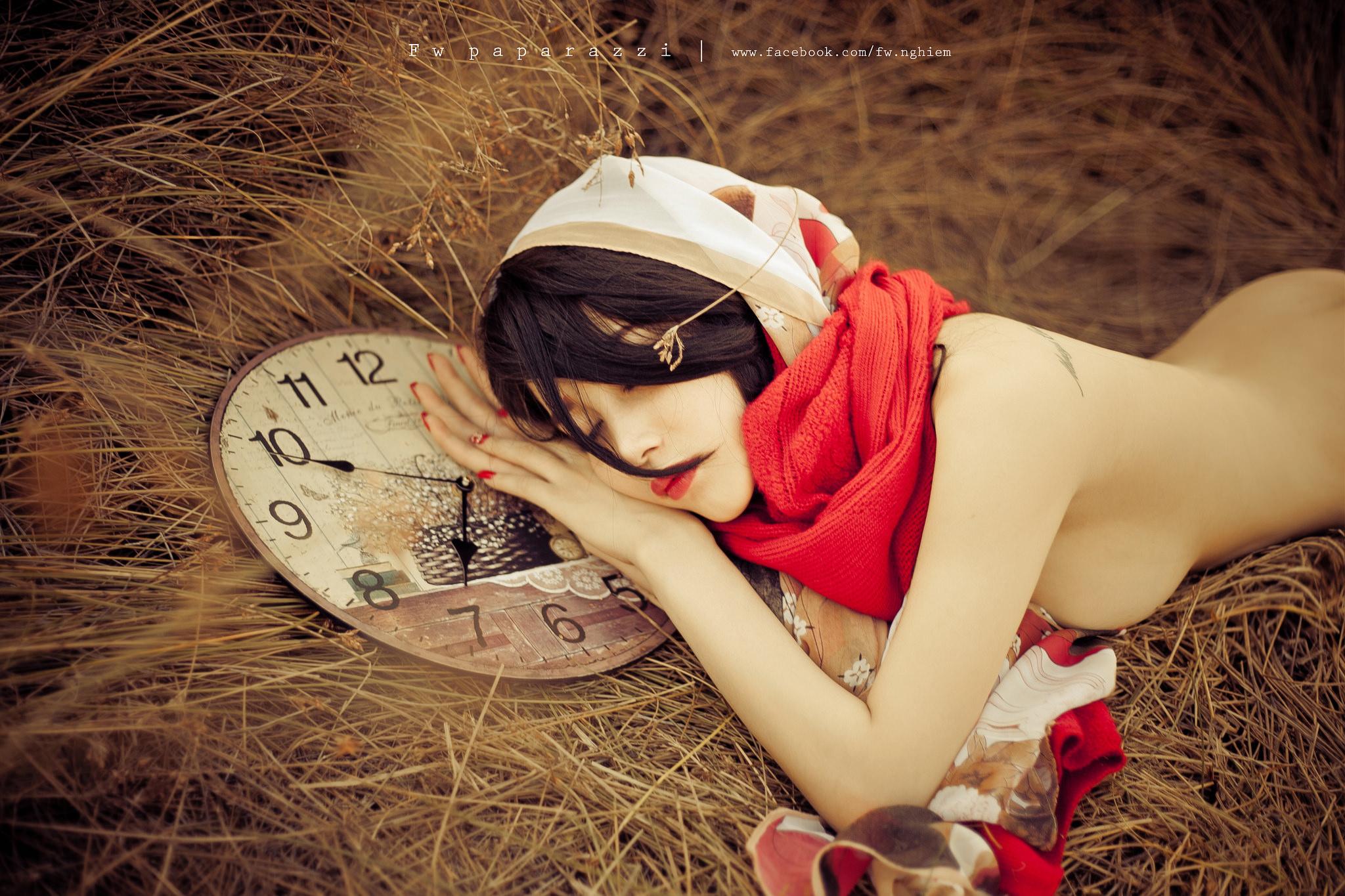 Cô bé quàng khăn đỏ - Ảnh Nghiêm Tứ Quý