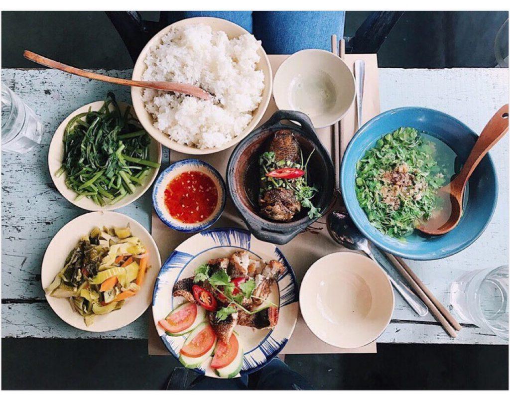 Phép lịch sự trên mâm cơm Việt