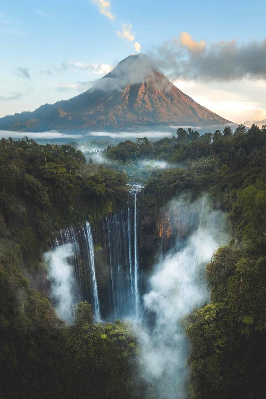 Thác Tumpak Sewu, Indonesia. Ảnh Ali Olfat.