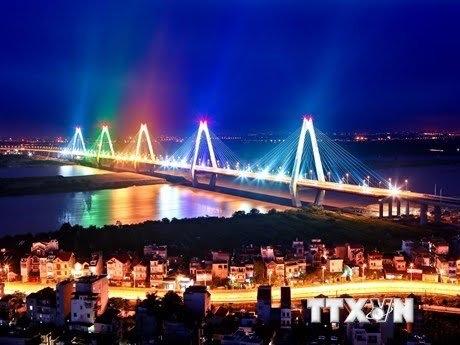 Cầu Nhật Tân xây dựng bằng nguồn vốn ODA Japan. Ảnh Huy Hùng/TTXVN.